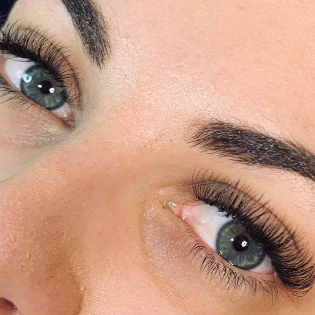 Students 1st set of Eyelash Extensions EVER @eyelash.magic . Fantastic work @nkpmakeup 😍 😍  #eyelashextensions#lashes#eyelashes#eyelashextensiontraining#eyelashtrainer#lashsupplies#lashlove#instalash