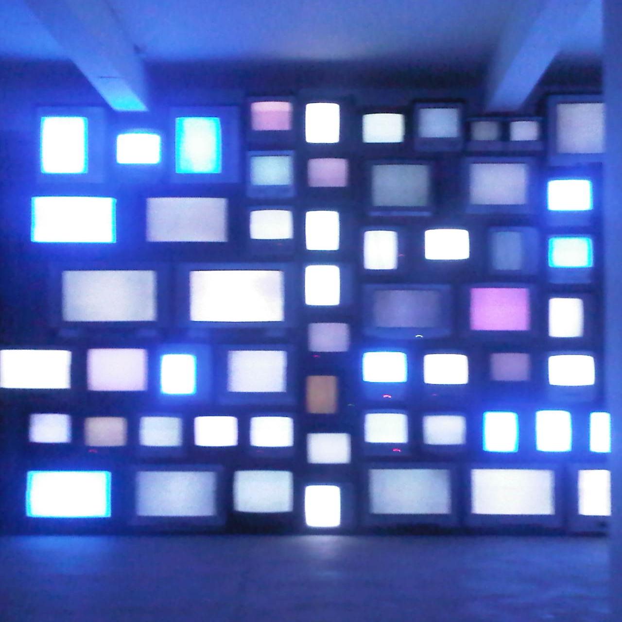 blurry tv wall bg.jpg