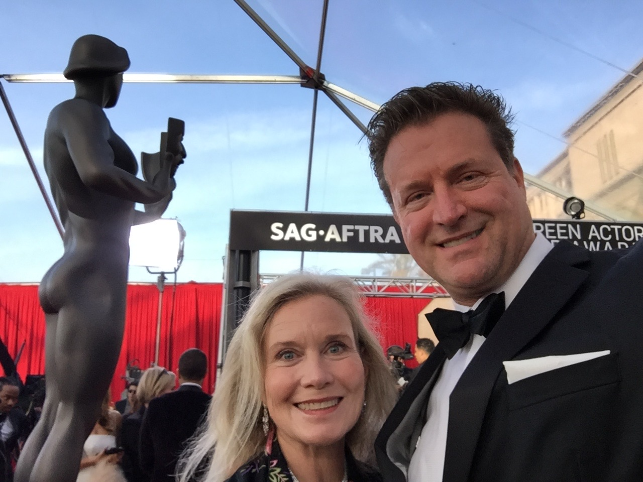 In front of the exposed-buttock statue-man at the SAG Awards 2018.
