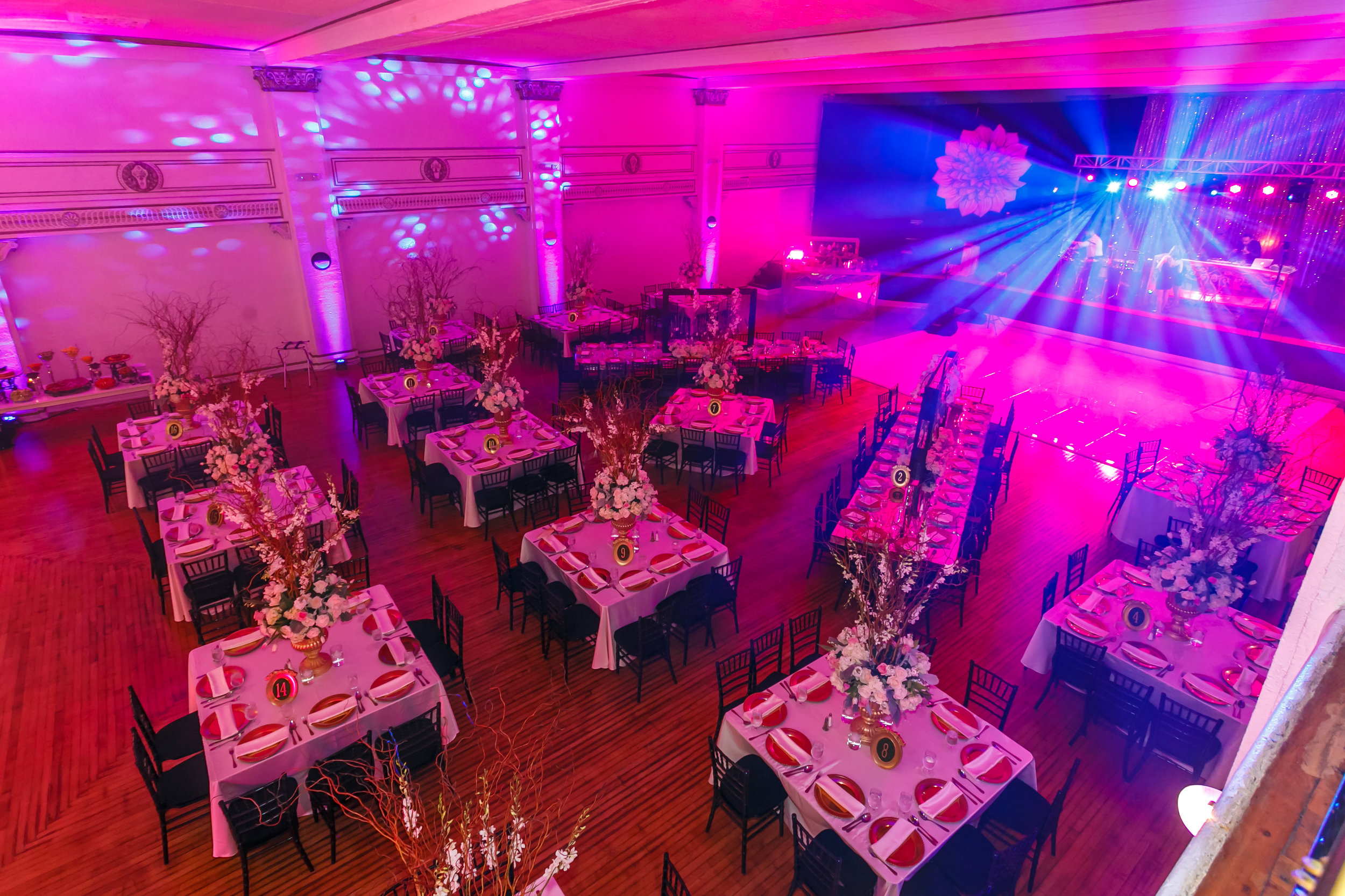 CHATEAU BALLROOM - 10,912 sq. ft. | Capacity: 450-800