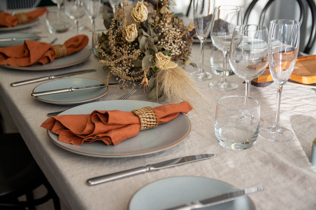 Linen napkins and table cloth