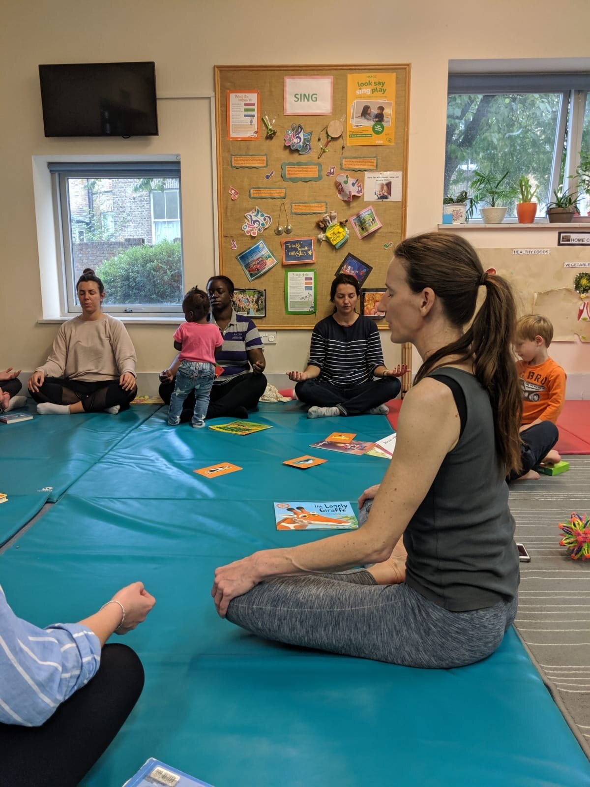Om:Pop Mindfulness and Brain Building Session at Cathnor Children's Centre