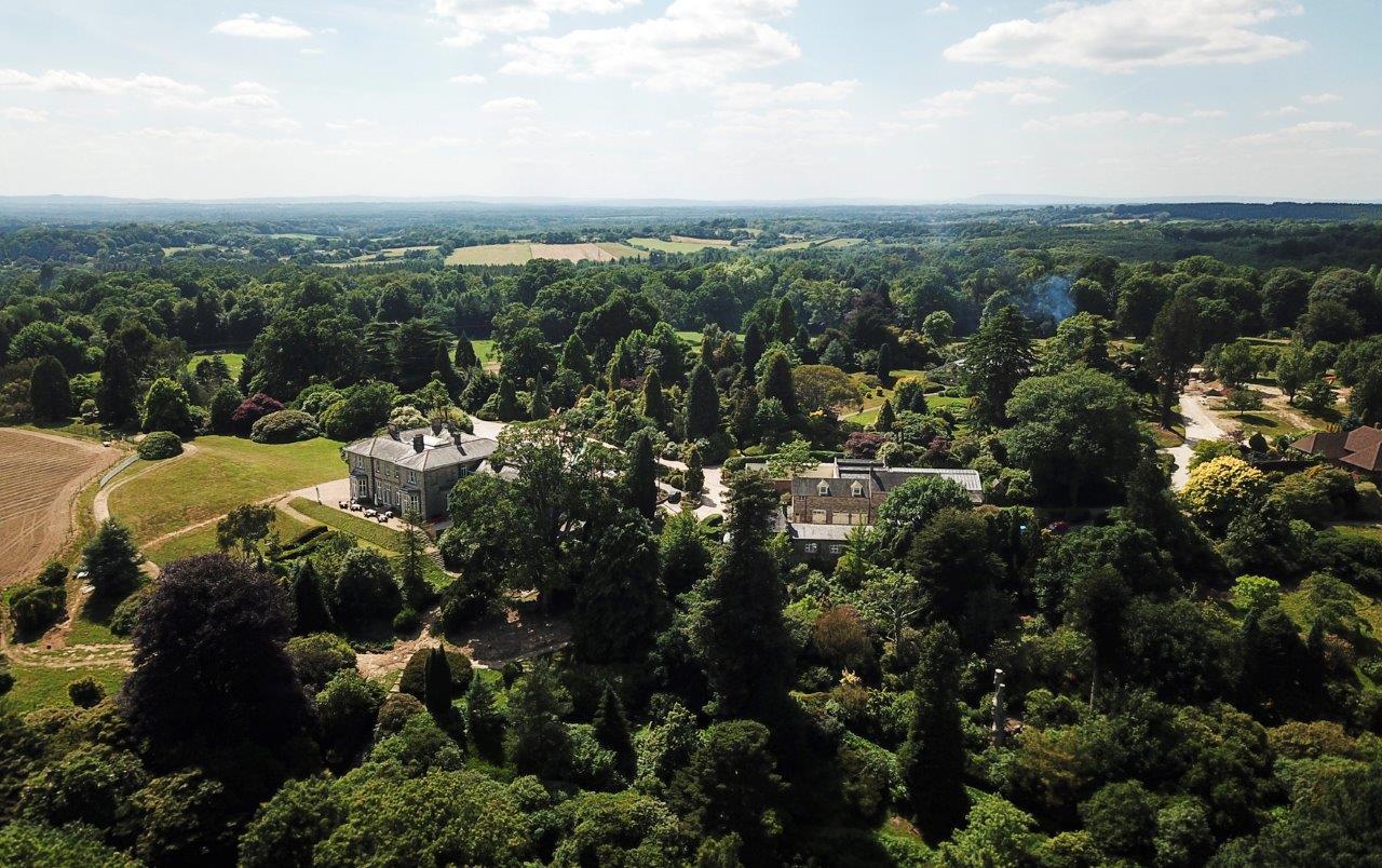 Leonardslee House Sussex.jpg