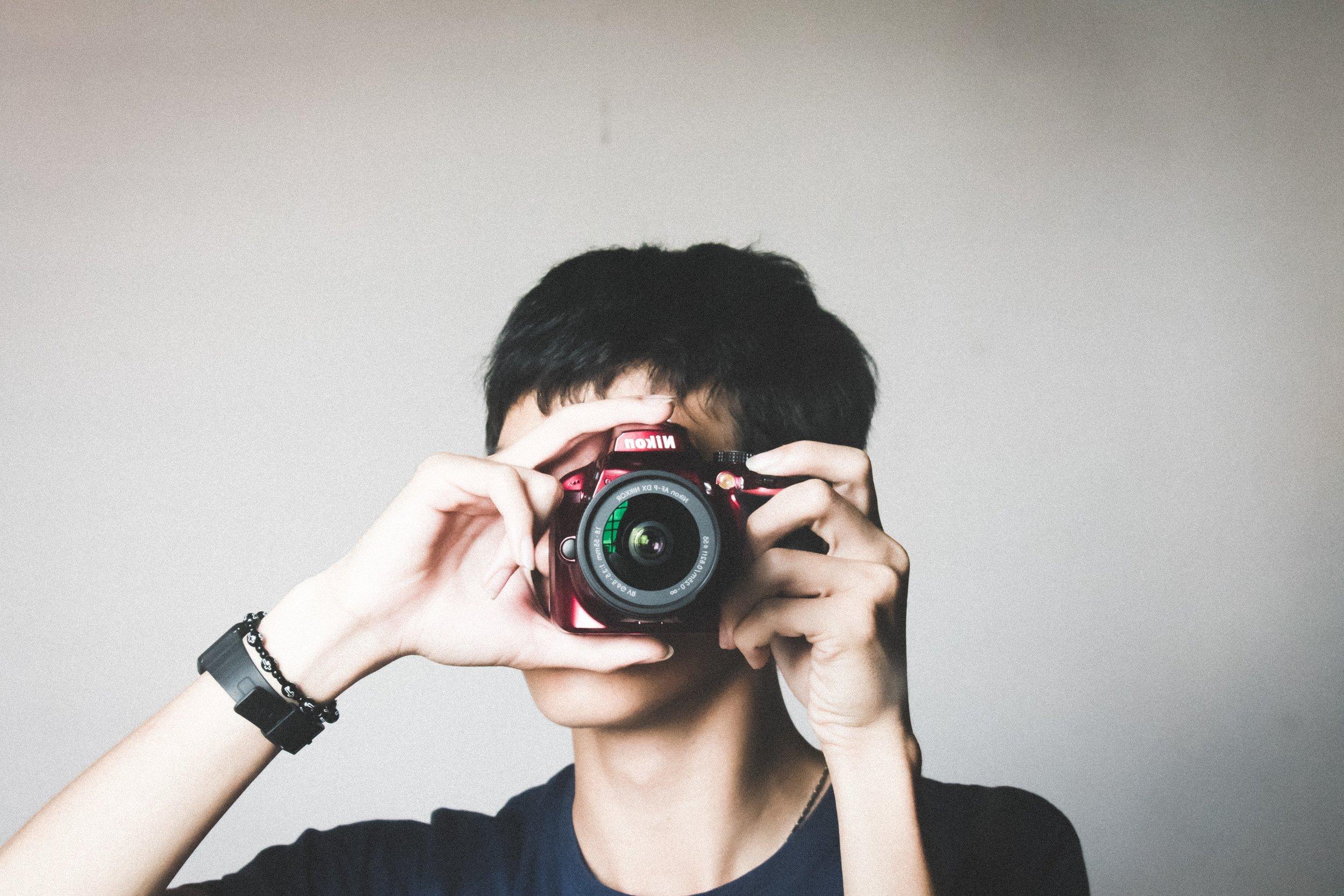 bracelet-camera-equipment-954202.jpg
