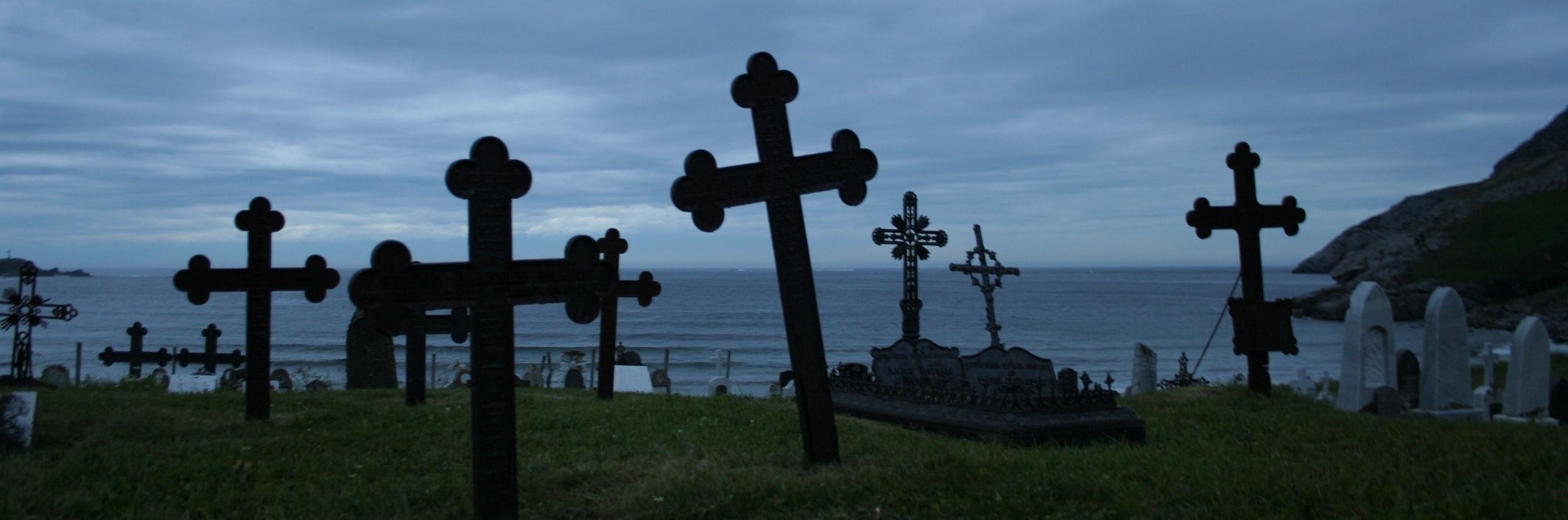 Graveyard_crosses.jpg
