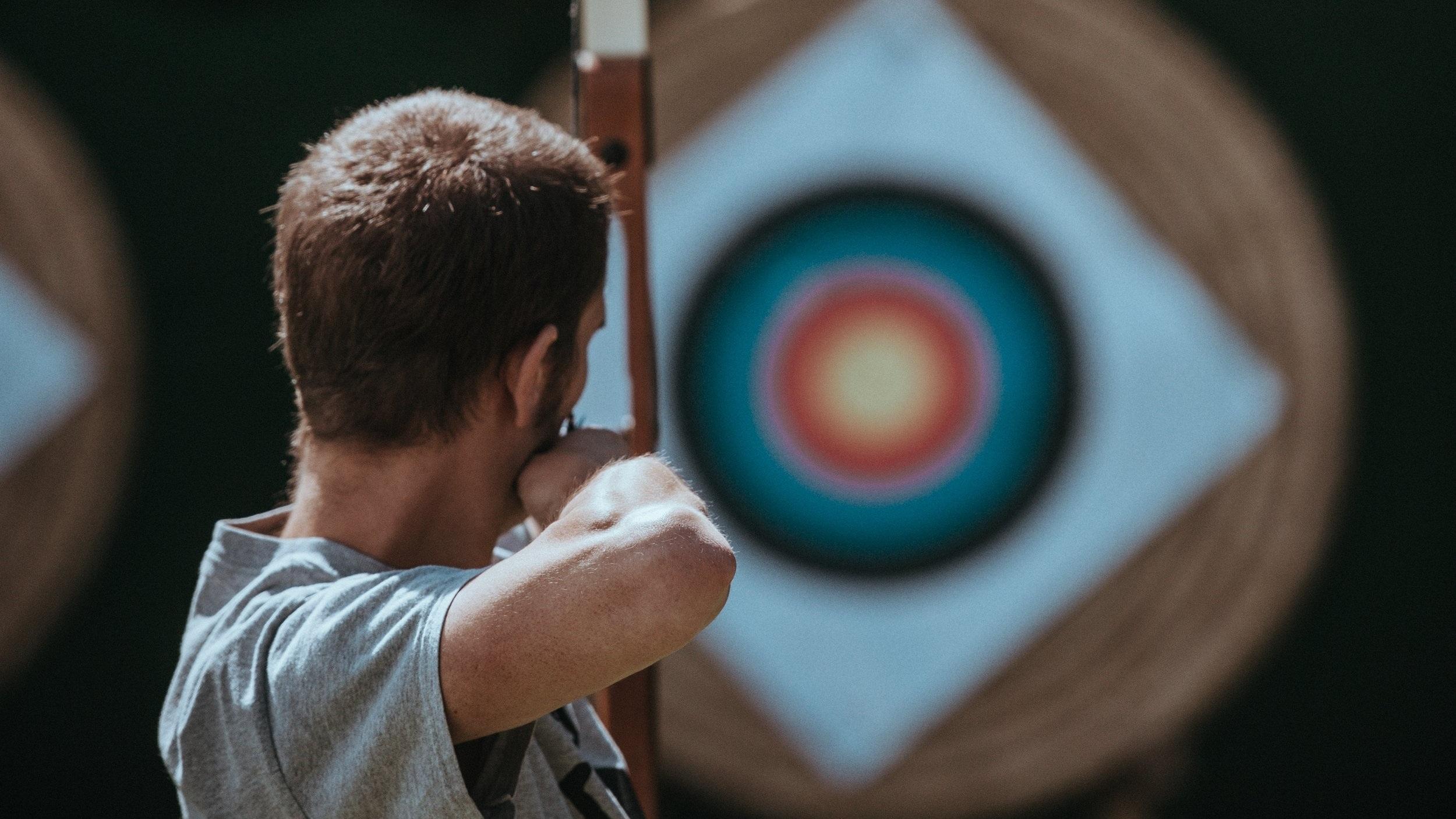arrow-target-annie-spratt-450566-unsplash.jpg