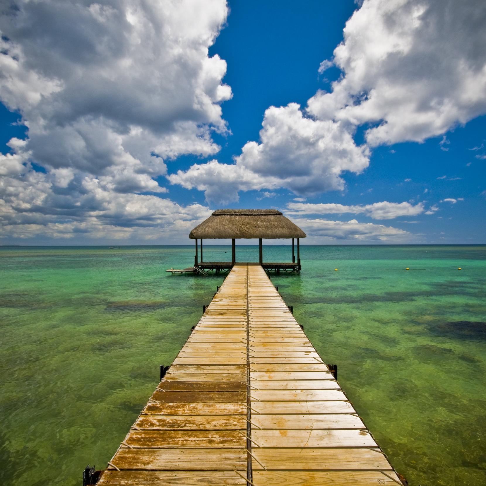 Travel & Luxury -