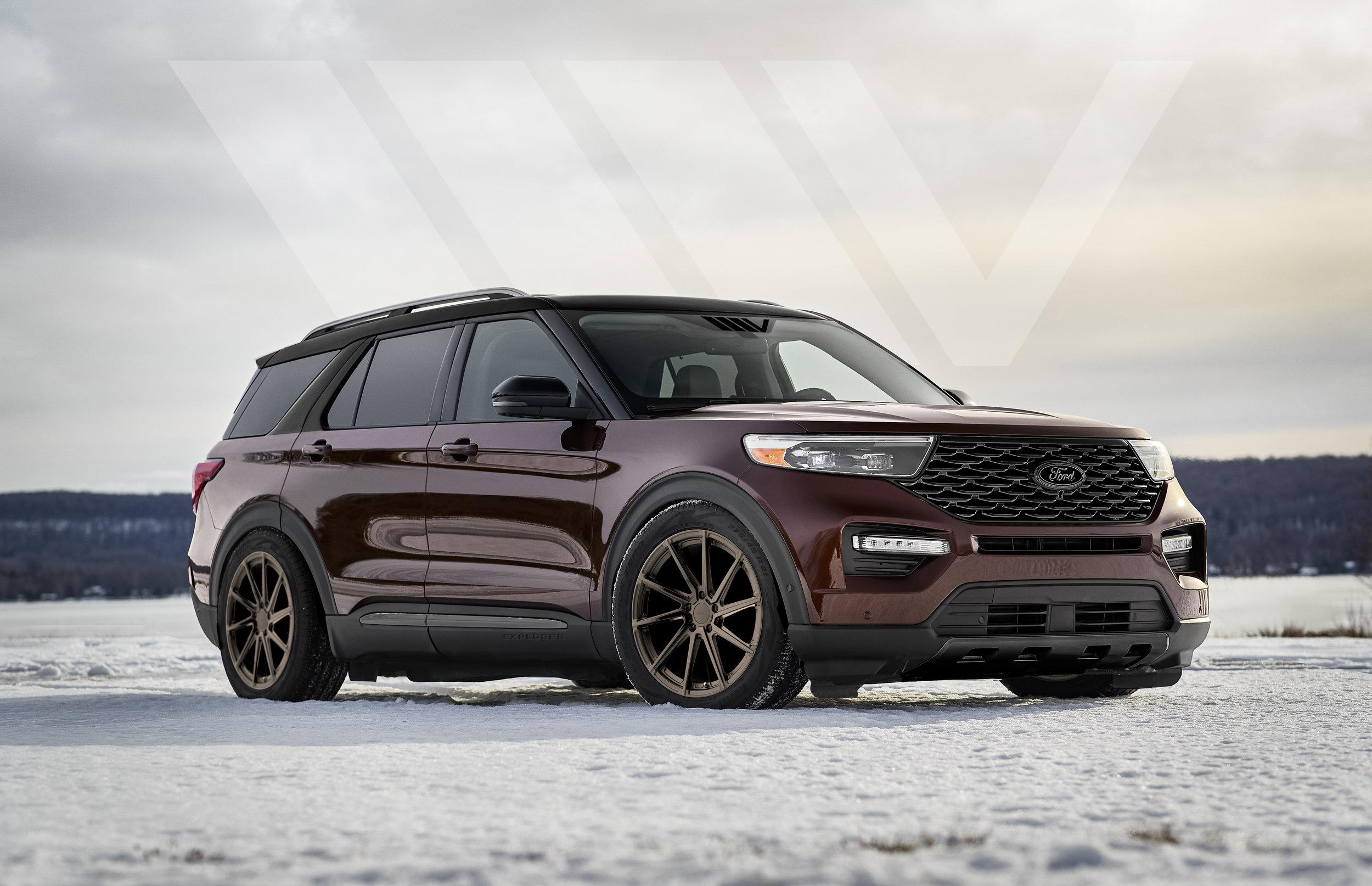4-Ford-Explorer-Platinum.jpg