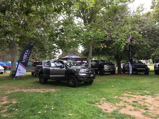 What a whirlwind weekend! Vista Ford Lincoln was proud to support the @lapdhq Still Saving Lives car show in Woodland Hills, CA. Such a beautiful venue with so many beautiful cars. In addition to the car show, Vista proudly Sponsored a golf tournament for a great charity in Porter Ranch at the same time!! #vistaford #vistamotorsports #woodlandhills #vistawoodlandhills #carshow #superduty #bulletmustang #losangeles #lapd #lafra #golf #trucks #carsofinstagram #trucksofinstagram