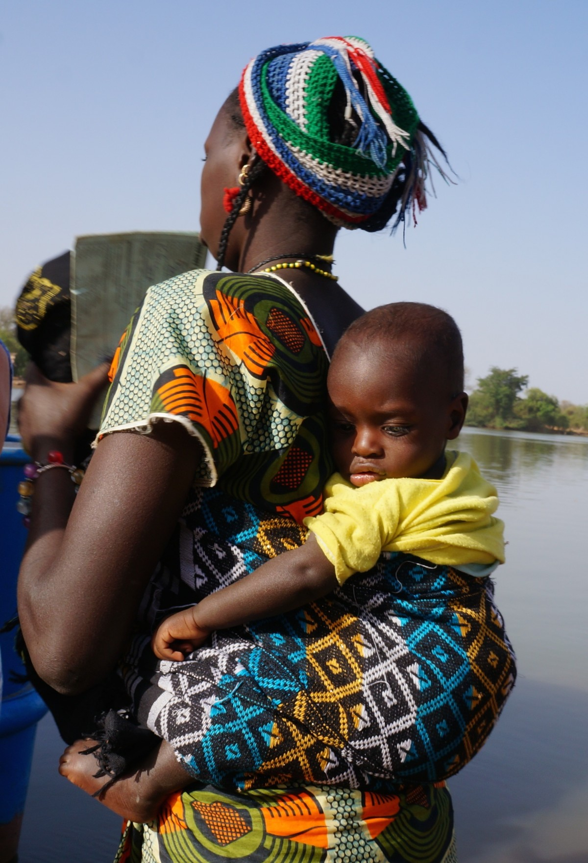 woman_child_carrying_african_black_baby_mom-979253.jpg