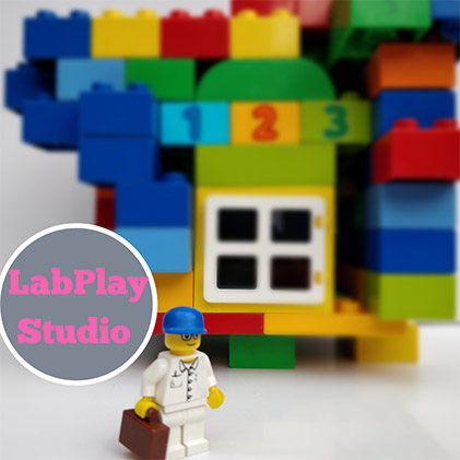 With our training sessions Design Thinking and Innovation workshops, Elliott proves size doesn't matter when your a Master Builder. Lab Play Studio Birmingham.