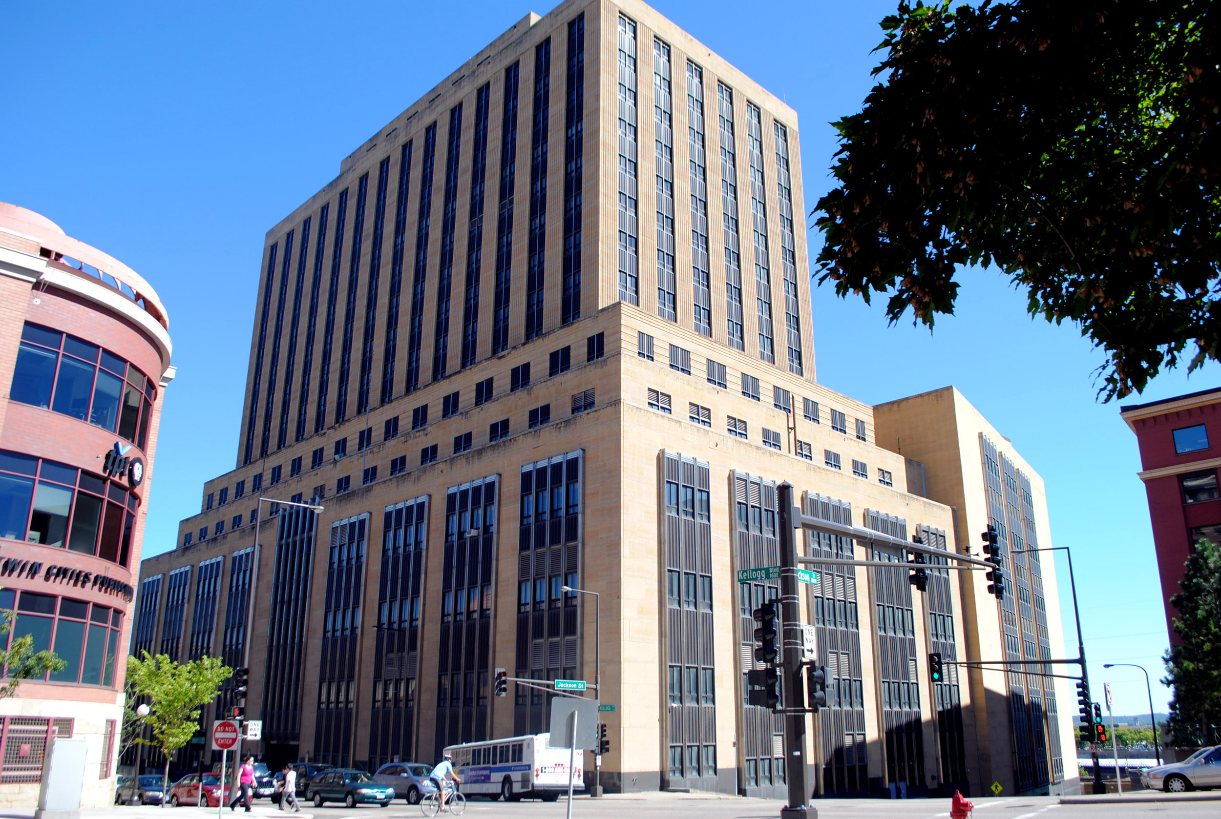 Custom House - St Paul, MN MIxed-UseClient: Exeter and Nelson Construction & DevelopmentBuilt: 1934, 1939, 1961Project Costs: $116 millionHTC equity: Over $41 millionCompletion Date: 2016