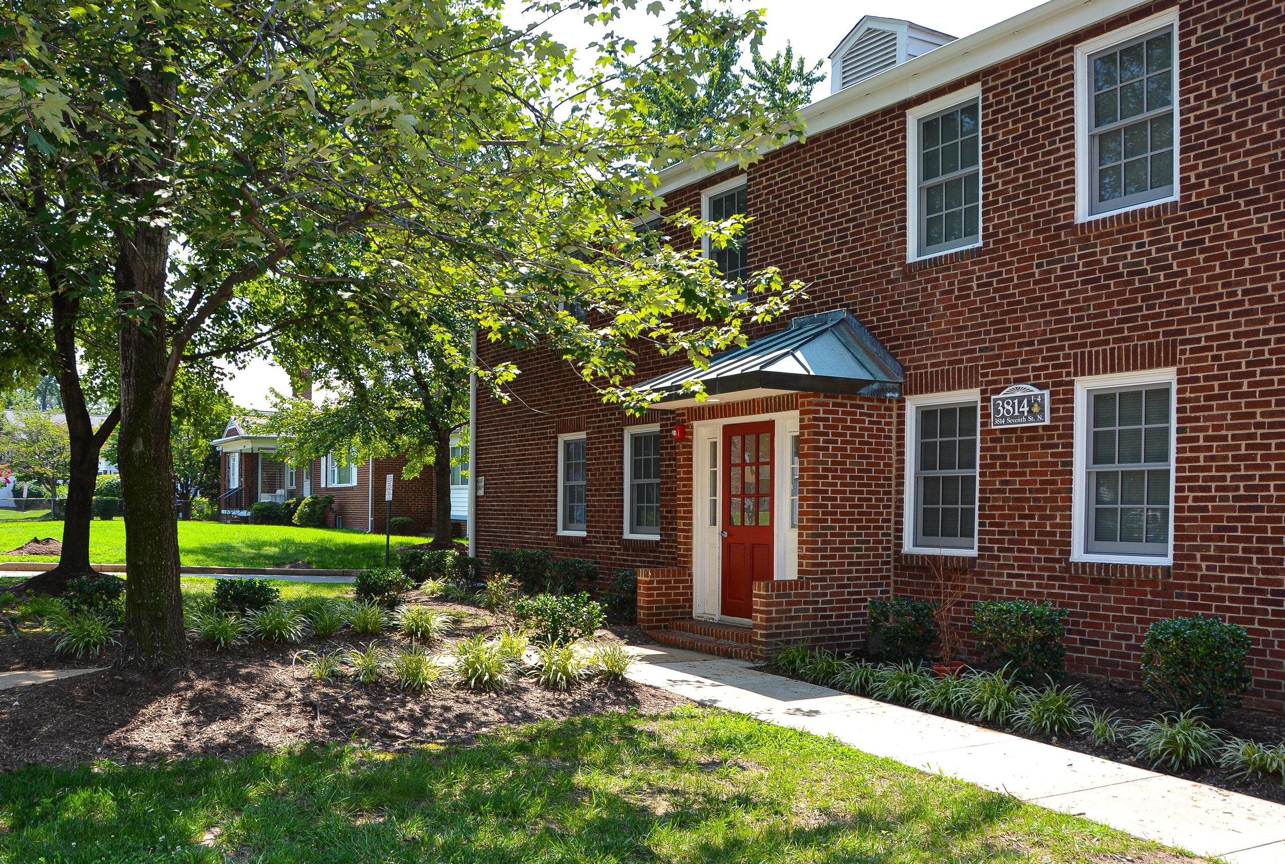 Clarendon Court Apartments - Arlington, VAAffordable HousingClient: McCormack BaronBuilt: 1940-1941Project Costs: $15.2 millionHTC equity: Over $2.9 million