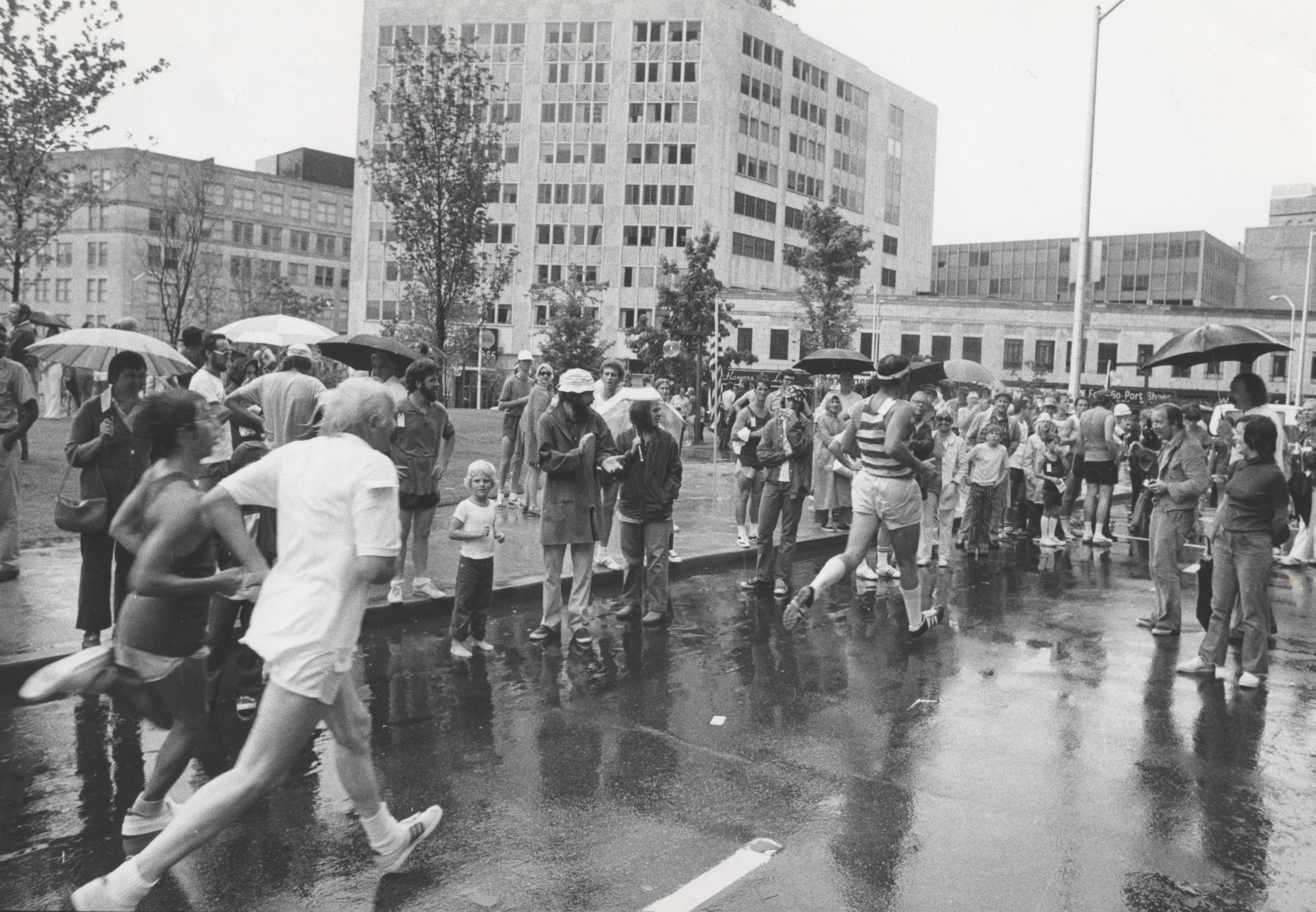 "Runners run an ""official"" 10K for the first time in 1974"
