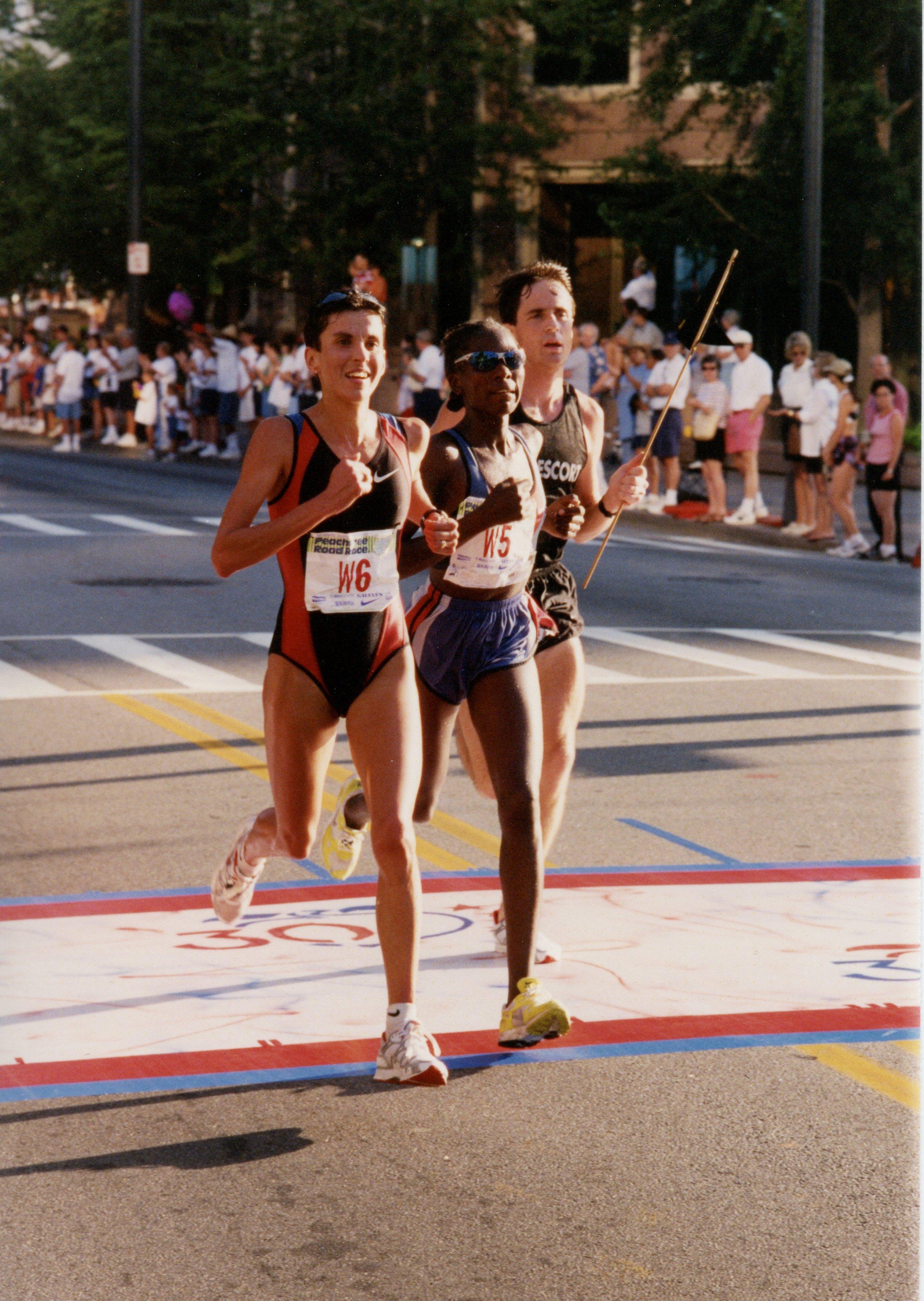 Elana Meyer, Catherine Ndebera  1999.jpg