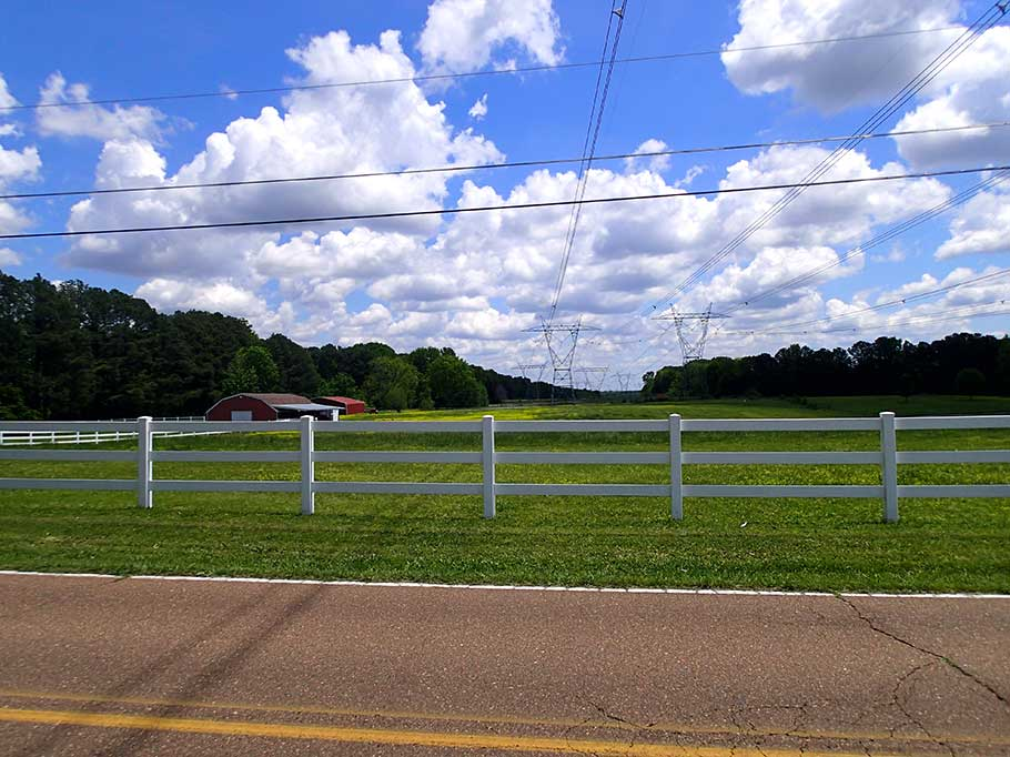 bluegrass_electric_transmission_line_fence_right_of_way.jpg
