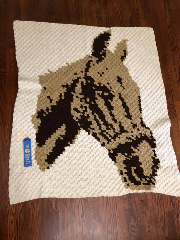 Horse Afghan - This beauty won a blue ribbon for Stephanie Soliz - Great job!