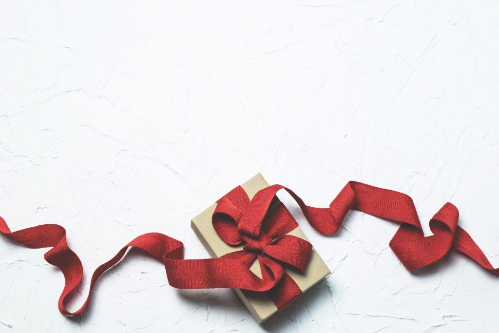 box-flatlay-gift-697224-1024x683.jpg