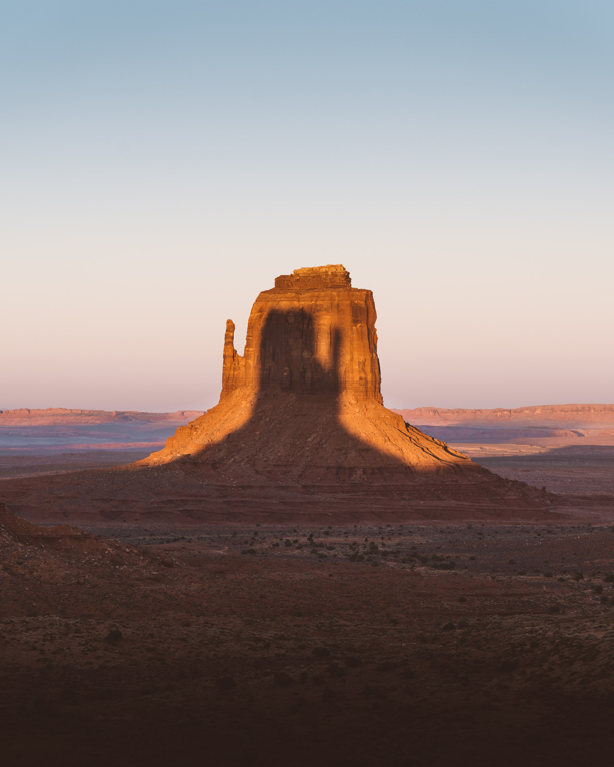 Monument-Valley-West-Mitten-Shadow-7303790.jpg