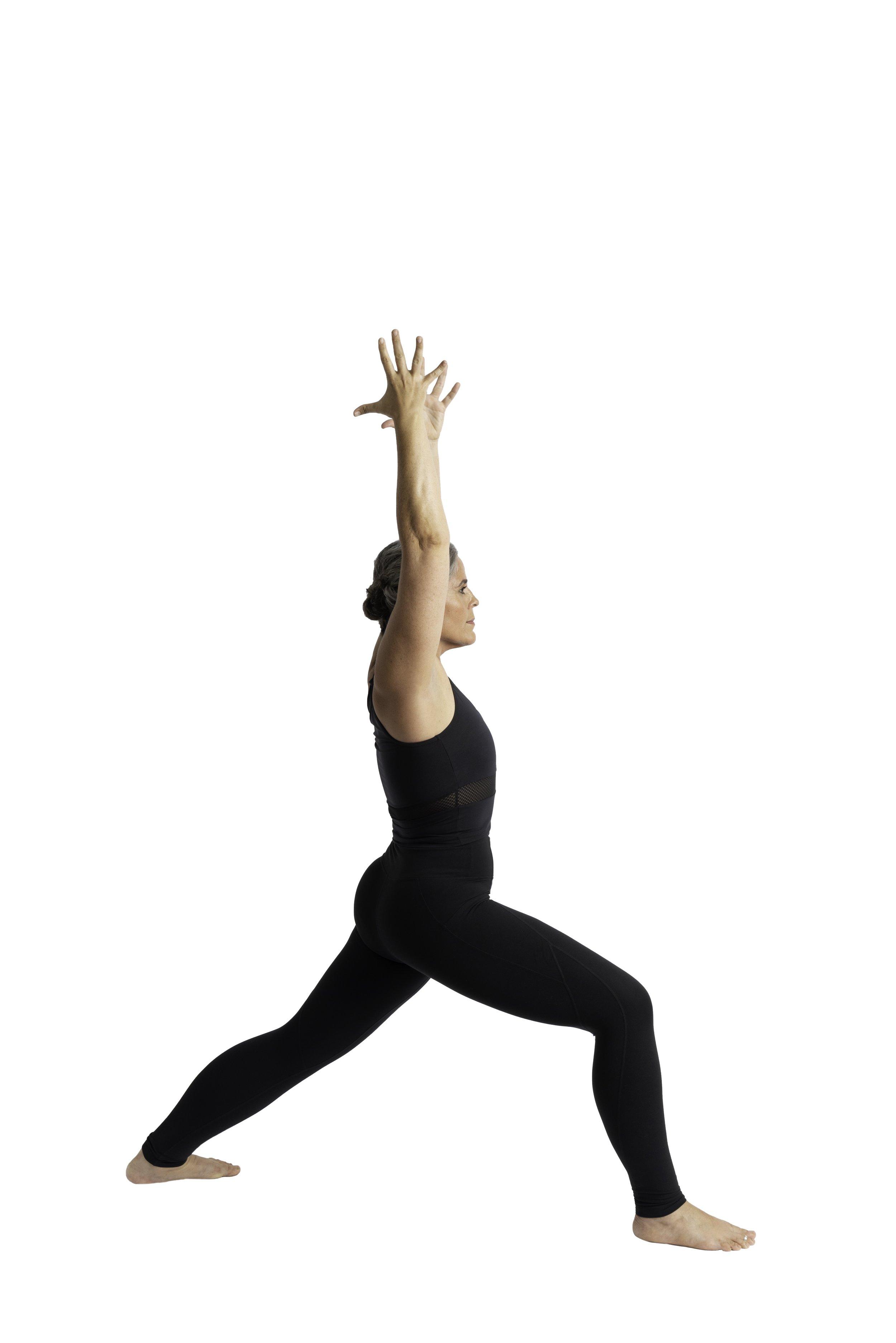 Warrior I pose: back heel anchored down / asymmetrical pelvis