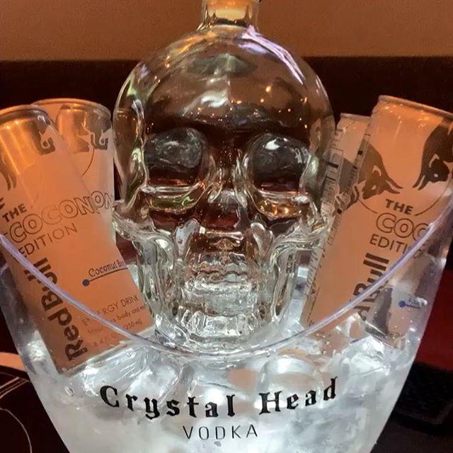 Crystal Head Vodka tasting tonight til 8:30, 🦀 's til 9:30 & live music! #CenterCitySips