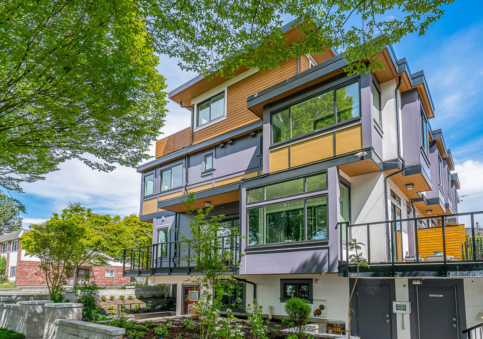 Nanaimo West:6 Luxury Townhomes - Open House: Saturday, September 1, 2018 - 2-4pm