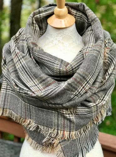 Knitting Happens Blanket Scarf @ Etsy     Sidenote: Loving the fact that this design was inspired by the show Outlander, one of my faves.
