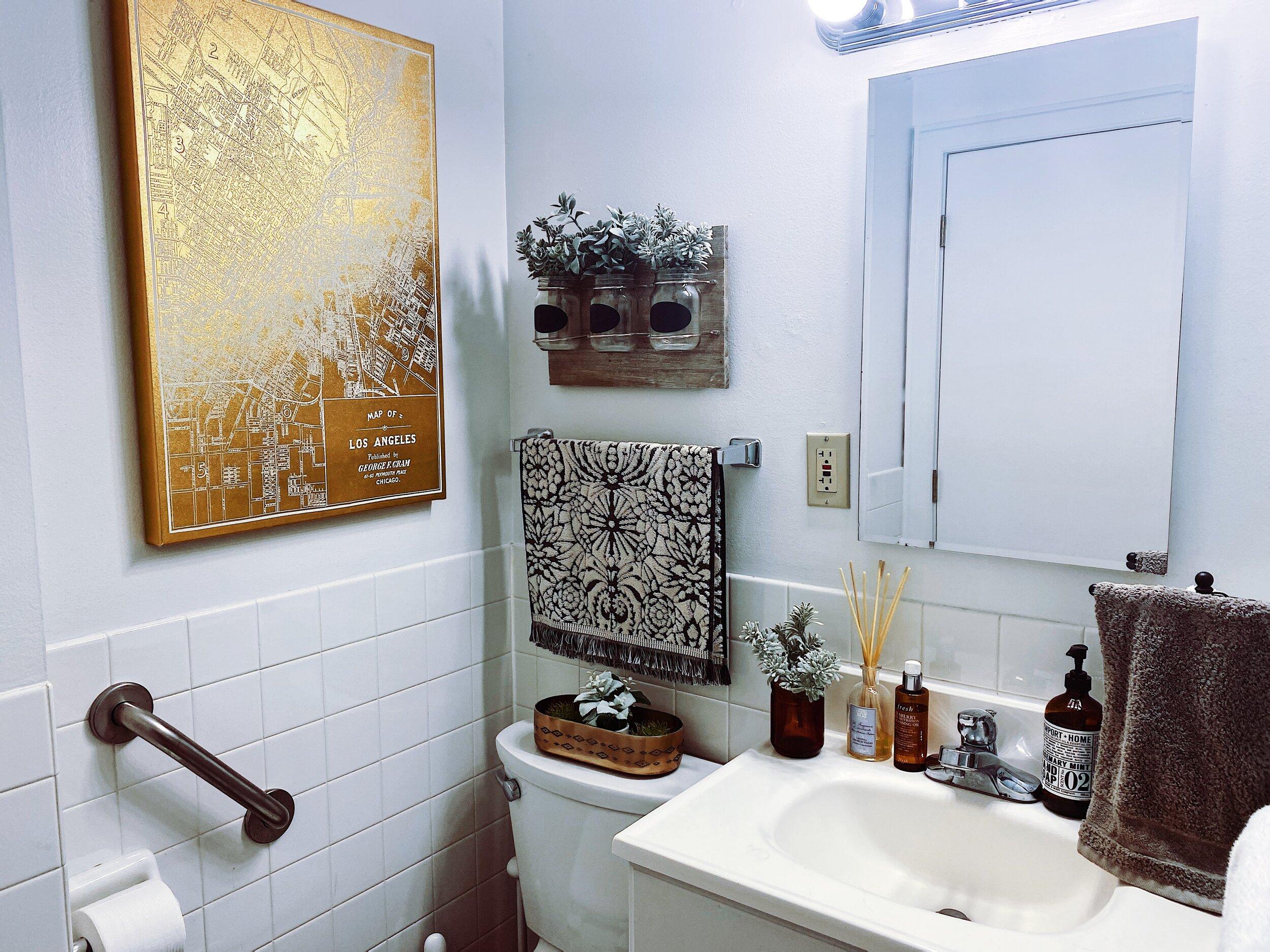 Small Apartment Bathroom Ideas How To, Small Bathroom Decorating