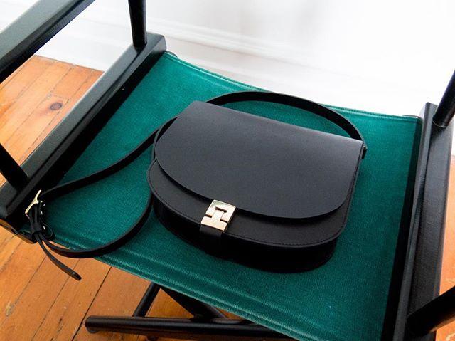 Cartier street bag / new website soon 🖤 www.arako.co . . . . . . #women #womenentrepreneurs #fashion #fashioninspo #womenempowerment #forwomen #forwomenbywomen #designer #blogger #mode #blog #newpost #cashmere #leathergoods #leather #vsco #paris #ootd #purse #sewing #sewingblog #basics #montreal #businesswoman