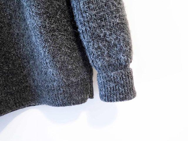 Alpaca . . . . . . #women #womenentrepreneurs #fashion #fashioninspo #womenempowerment #forwomen #forwomenbywomen #designer #blogger #mode #blog #newpost #cashmere #leathergoods #alpaga #vsco #paris #ootd #sweater #sewing #sewingblog #basics #montreal #businesswoman #wool