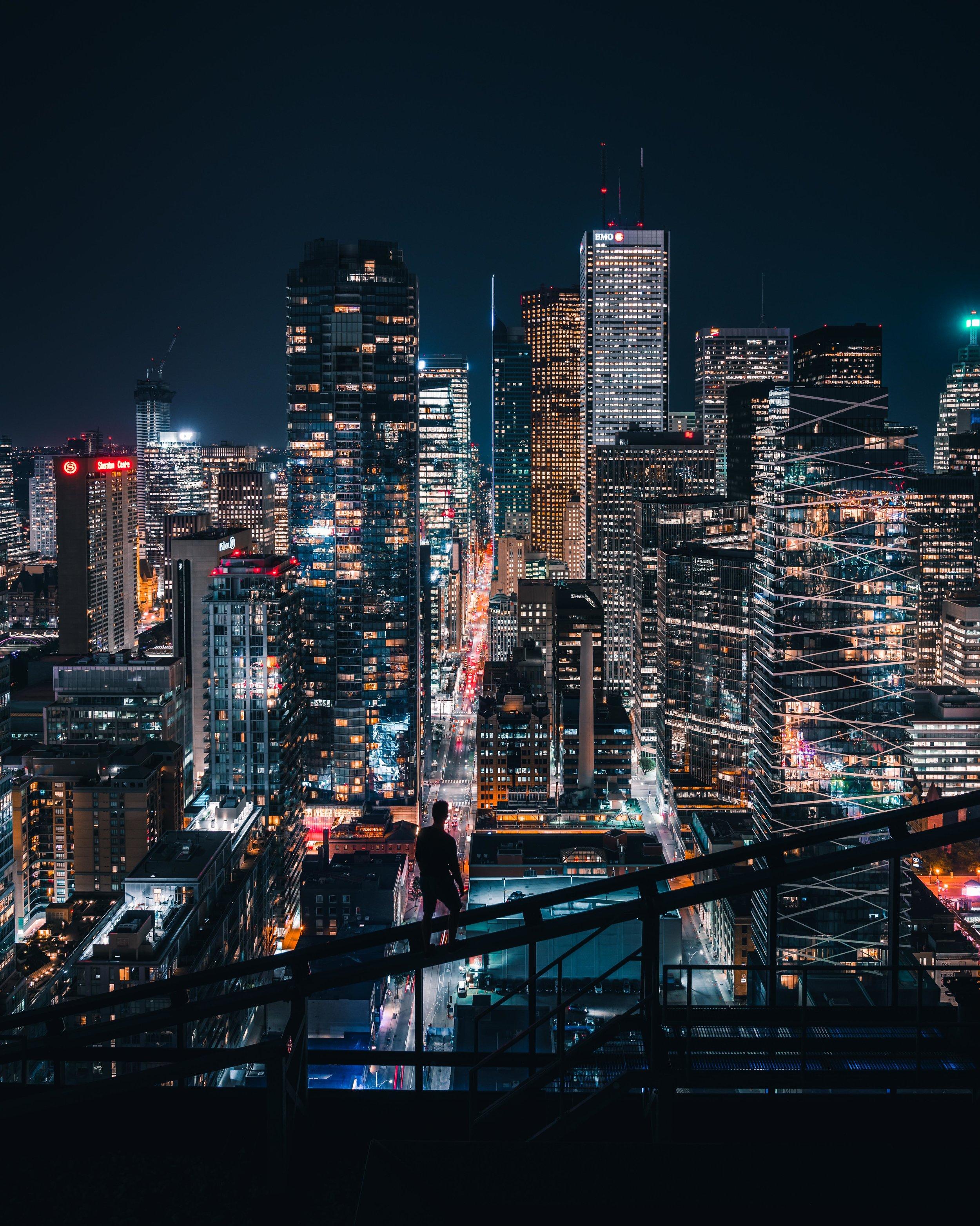 city-skyline-at-night-urban-exploration