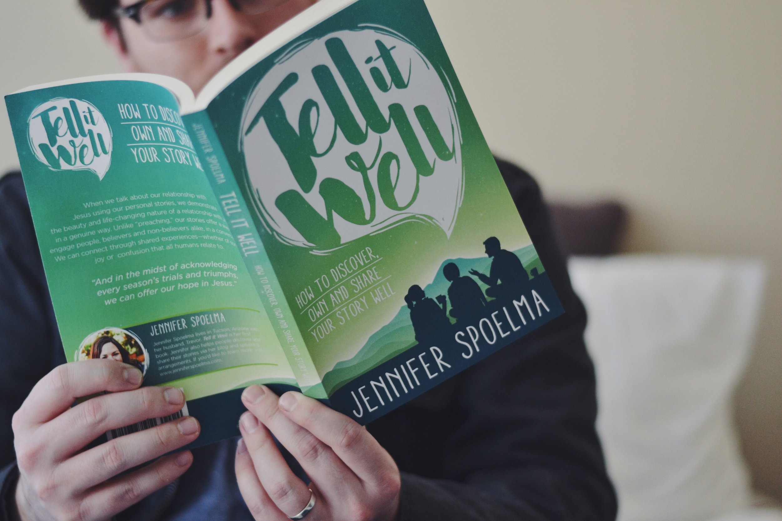 """""""This book had me hooked in the first few pages. I felt like Jennifer was writing to me."""" -"""