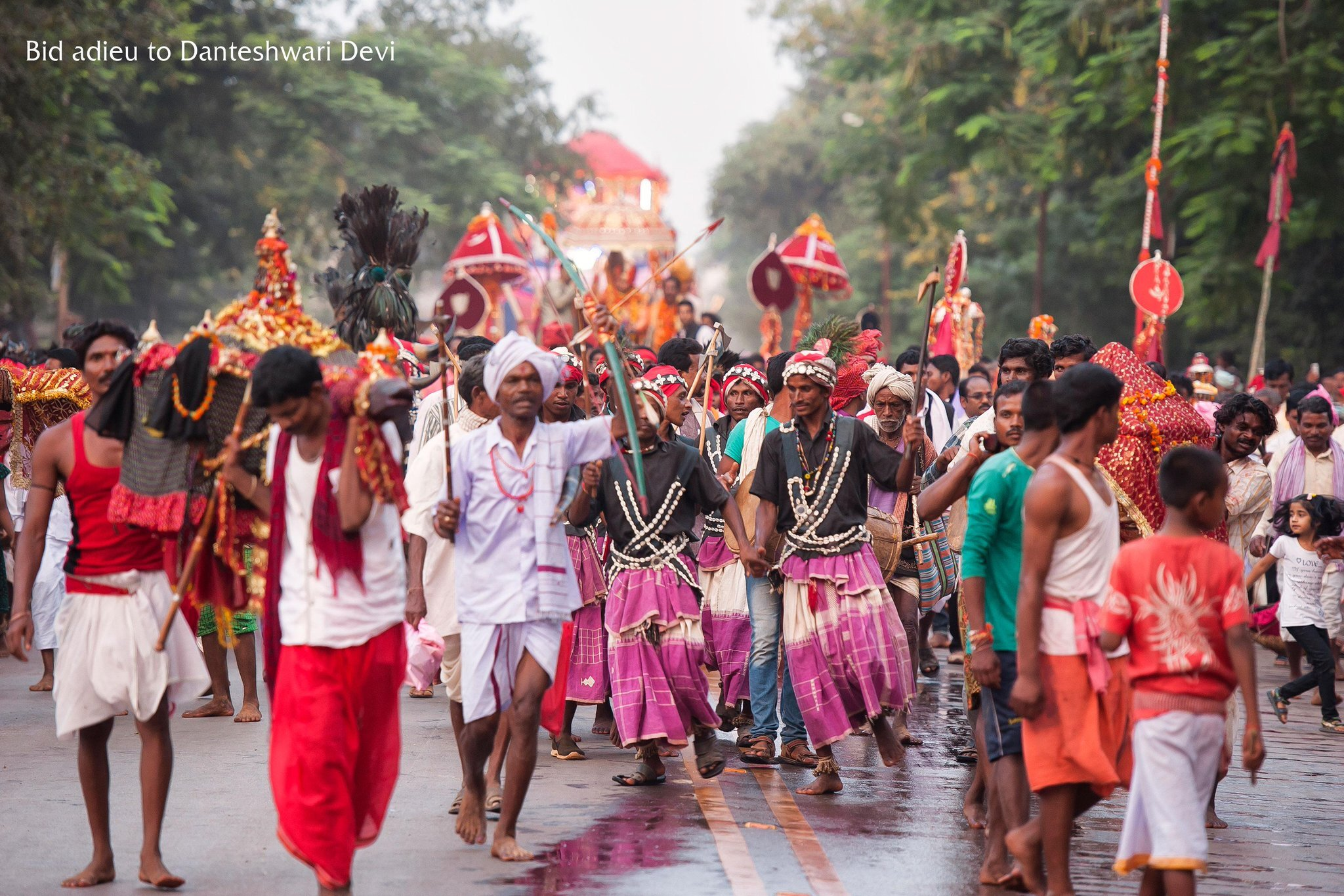 Tribals carry Danteshwari Devi's procession on Dussehra, 2015