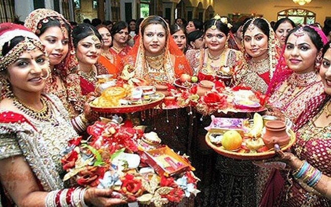 Women dressed up for Karva chauth. Source:  Indiatoday
