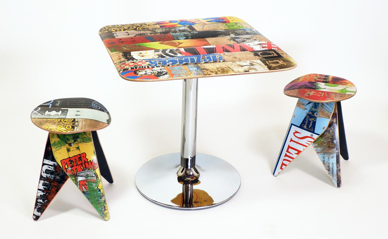 Deckstool_cafetable_stools_01b.jpg