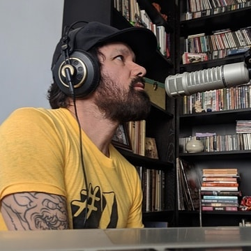 J.Hawk featured on podcast: Daniel Overberger @blackmarketyoga - 'What Now'. Discussing Mike Wright and The Lost Ones new #audiobook release, touring with rock bands, and why the moon might be the deathstar. :  iTunes  https://itunes.apple.com/us/podcast/daniel-overberger-what-now/id1458040147?mt=2  Spotify  https://open.spotify.com/episode/6tITMF7dHBAhNbfPLnCn0X?si=KueC_h3-TdyJ7cZe7Ikm7A  #podcast #rocknroll #author #interview #itunes #spotify #podcasts #rollingstone #comedy #radioshow #radio #applepdcast #podcastaddict