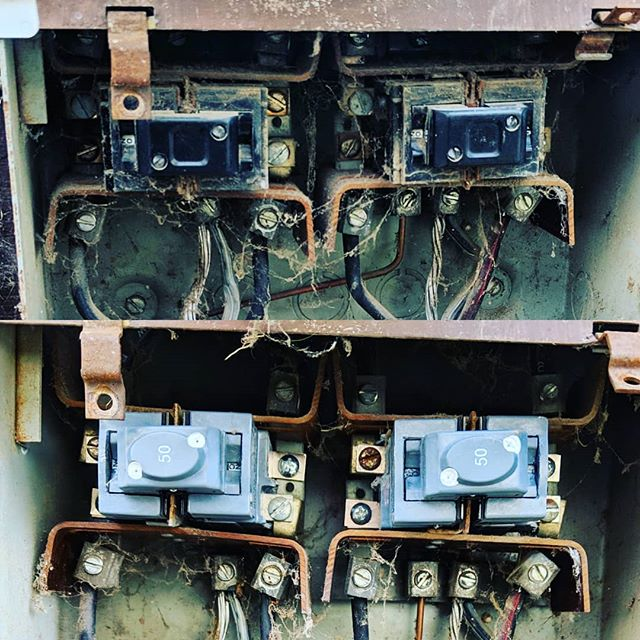 Pushmatic breakers - very popular in the 1960's and 1970's homes. Not the best design, not the most reliable but if you need your power back on after they fail on you- Voltex Electric can help you  If you need it; we can energize it.  #lompoc #service #santabarbara #solvang #Buellton #santamaria #electrician #electric #homes #homeideas #contractor #construction #remodel #homerenovation #electricians #beautifulhomes #hgtv #santaynez