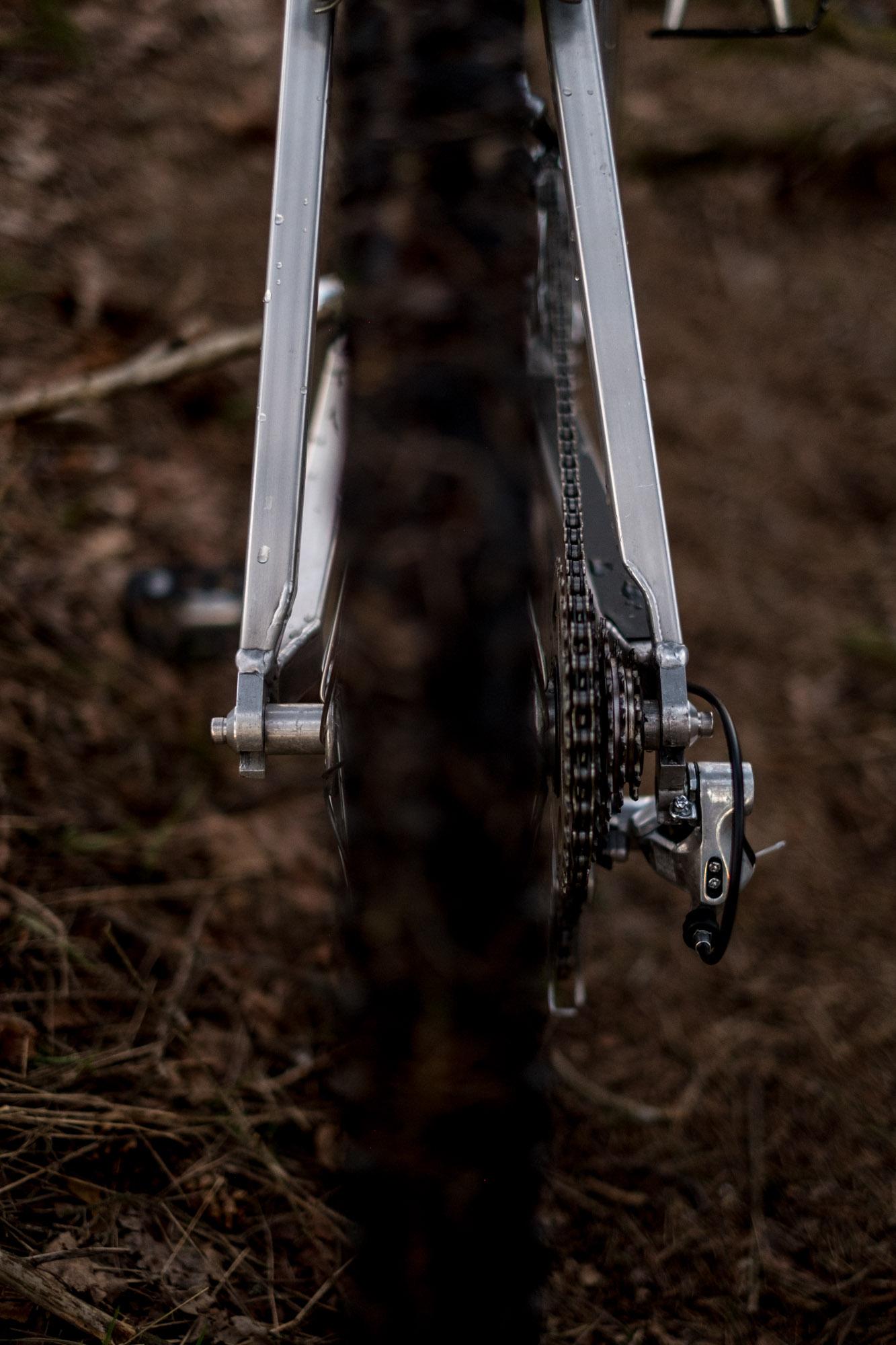 dishless wheels - 145mm rear spacing