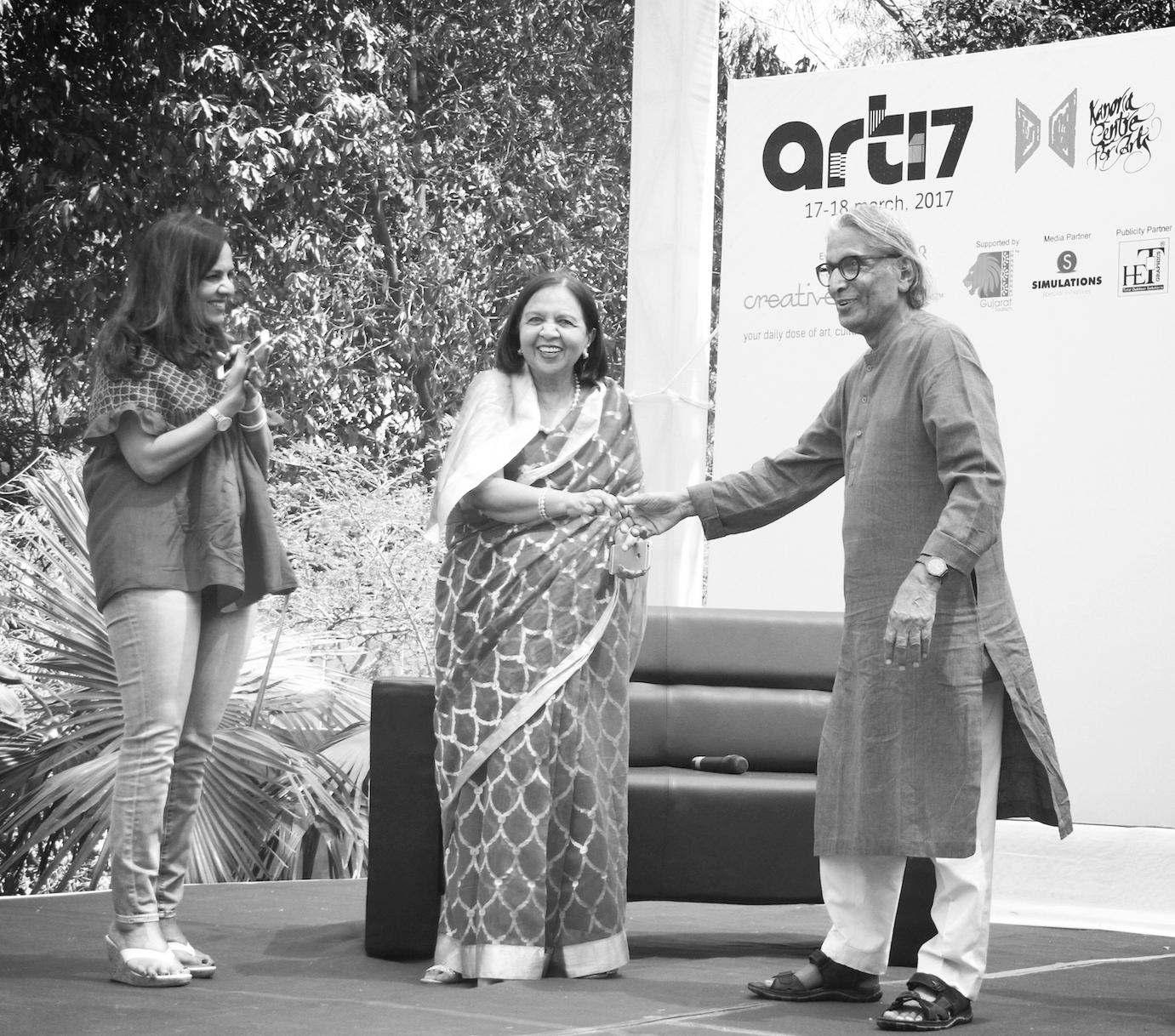 Sangita Jindal, Urmila Kanoria and BV Doshi at ART17 (KCA's Annual Art Festival).