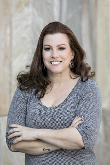 Lindsey Warner - Associate Coordinator