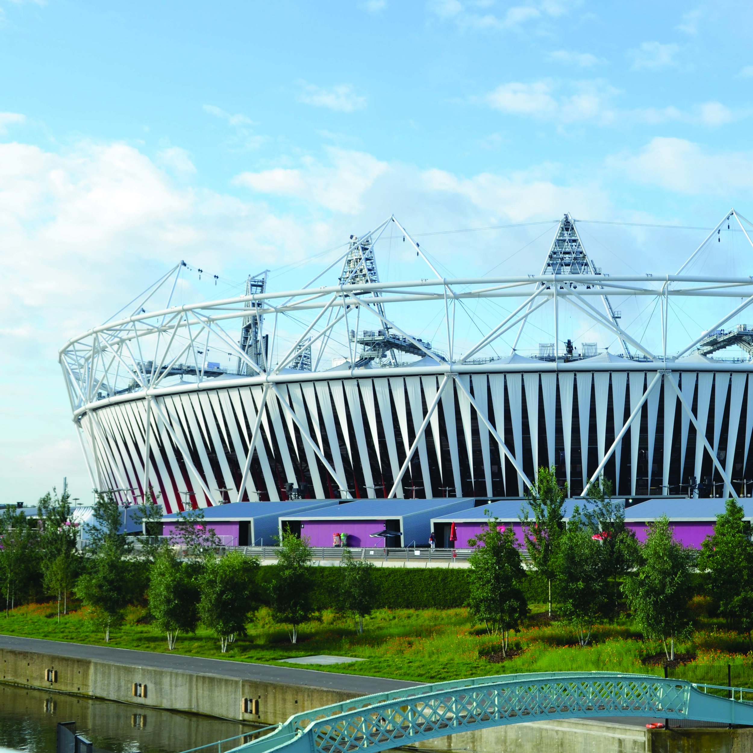 Olympic_Stadium_(London),_3_August_2012.jpg
