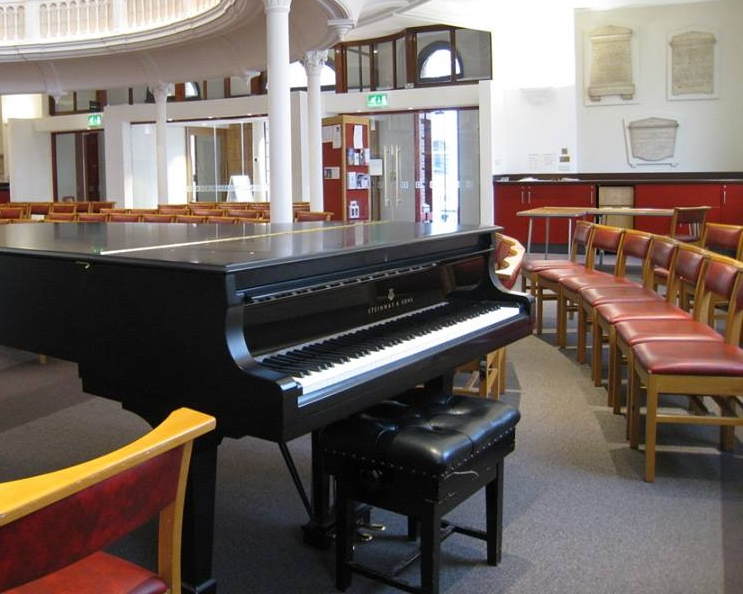 Concerts are held at Hinde Street Methodist Church,