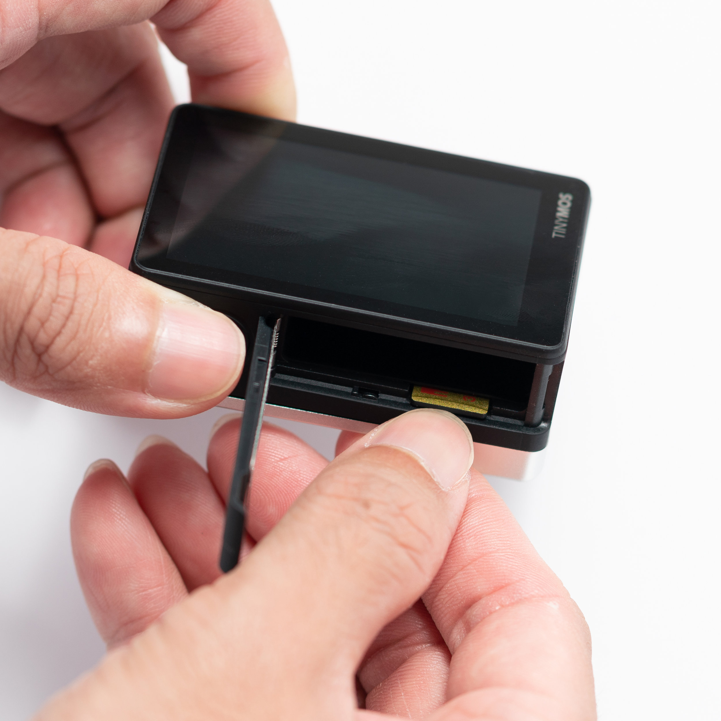 3. Using your fingertips, push the micro-SD card in. To remove, just push it once again.