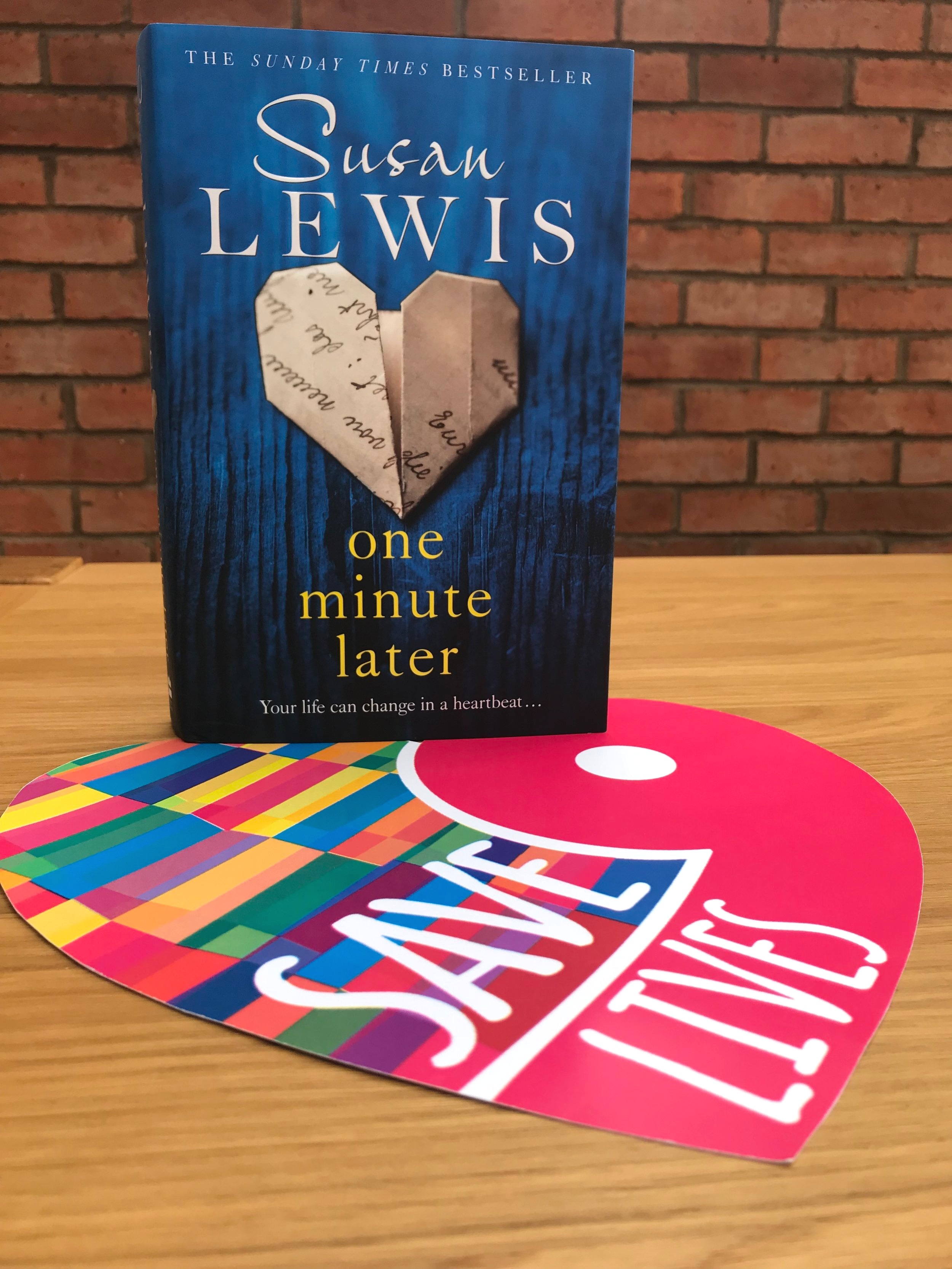 ONE MINUTE LATER   || It is a total honour to work alongside best-selling author - Susan Lewis - ahead of her eagerly anticipated book release. Find out more about this gripping novel,  here .