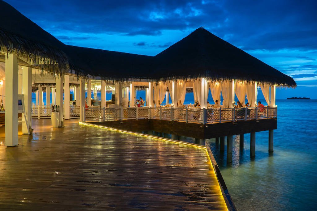 Ocean-Breeze-Restaurant-Night-Ayada-Maldives.jpg