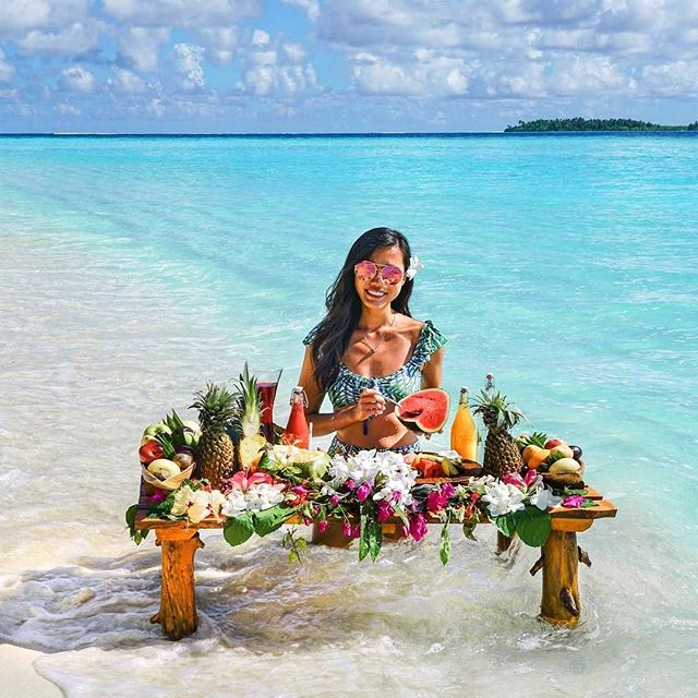 For those ultimate tropical vibes, indulge in a lavish breakfast set in the crystal clear waters of our lagoon 🌴🥥🍍