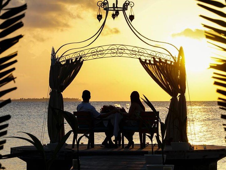 Romantic experiences to remember - Surprise your loved one with a private dining under the sunset, a relaxing couple massage or a private sandbank picnic excursion. We await you with a large variety of romantic experiences you will love and never forget.