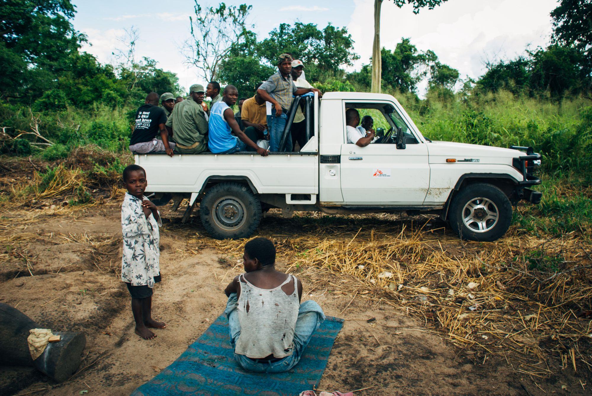 Organisasjoner som LEGER UTEN GRENSER, UNICEF OG RØDE KORS var til stede overalt og hjalp til med alt fra å bygge latriner, til telt , mat og medisiner. Det var utrolig fint å se hvordan hjelpen nådde frem.