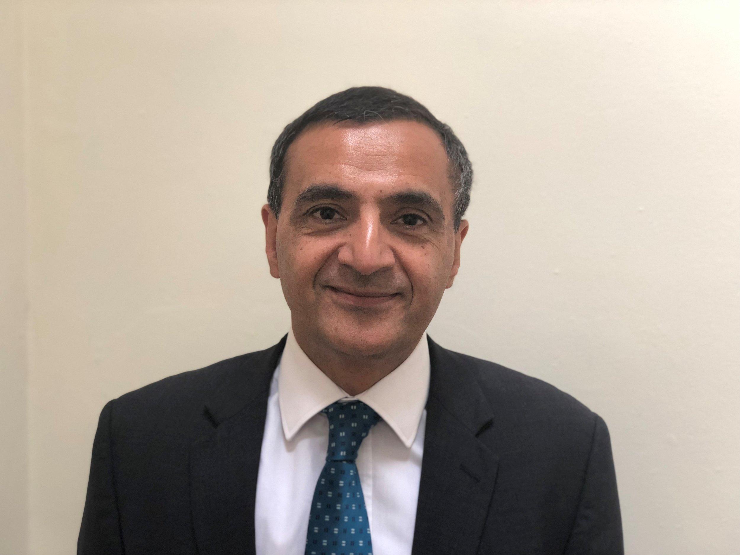 Mr Shakeel Akhtar - Dental Implant Surgeon