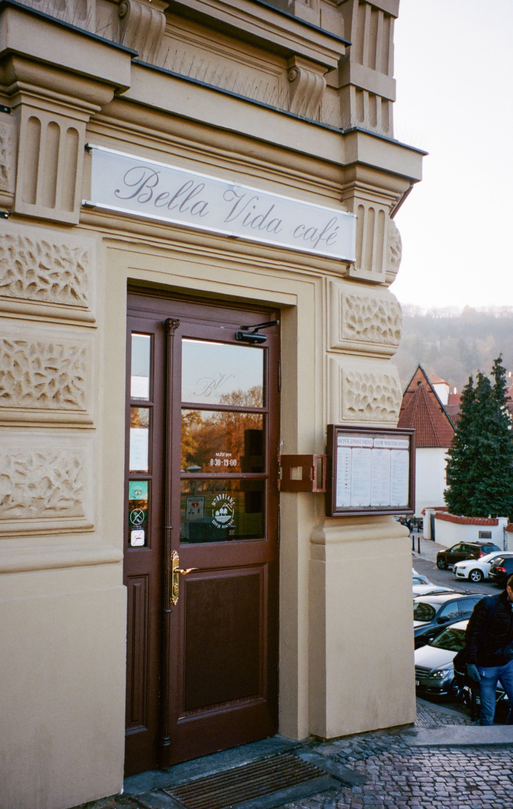 Bella Vida cafe, located within close proximity to Charles Bridge. Perfect for a coffee break!